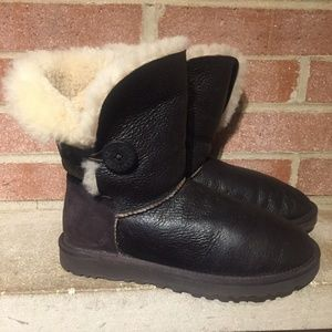 Auth UGG Bailey Button Mouton Brown Bomber Boots 8